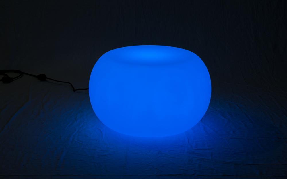 光る家具「クラシオン」コーヒーテーブルB 設置画像4