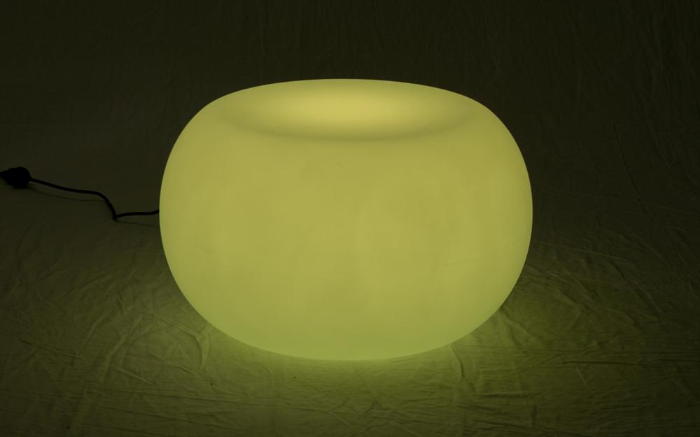 光る家具「クラシオン」コーヒーテーブルB 設置画像5