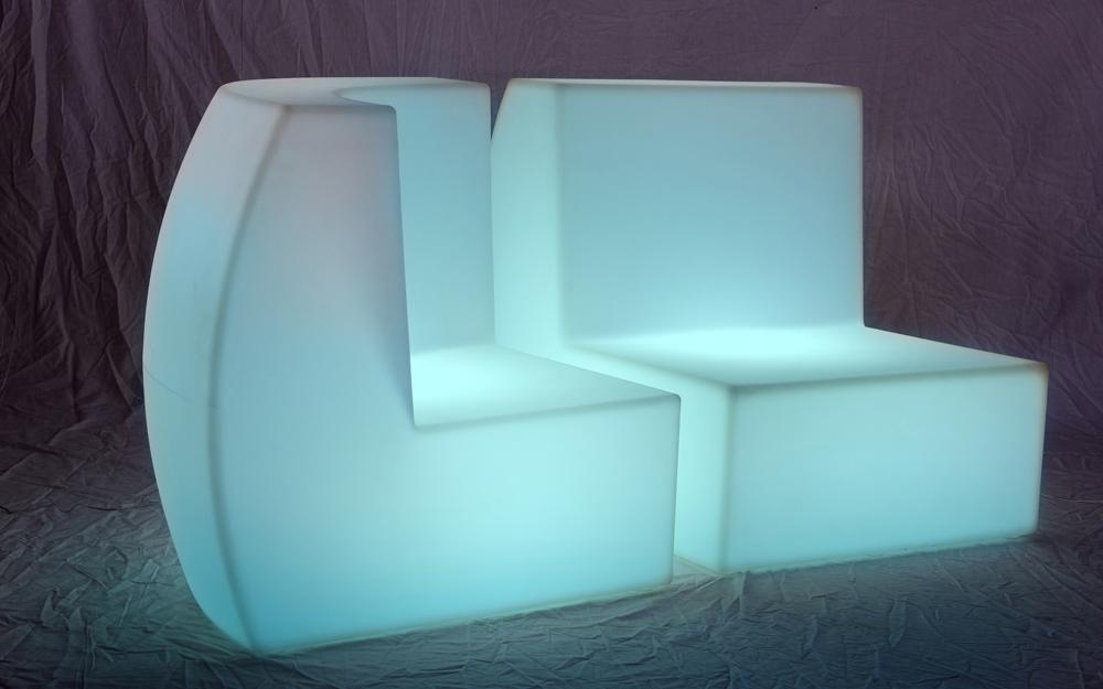 イルミネーション フロアソファセット(コーナーとストレート型) キューブ型 設置画像4