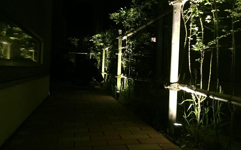 イルミネーション LEDガーデンアップスポットライト 設置画像5