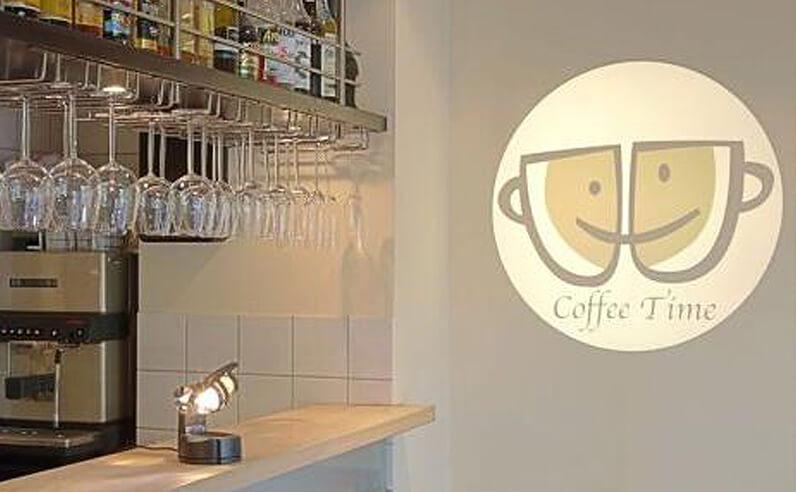 LEDプロジェクションロゴライト・ゴボライトの販売実績。設置イメージ「カフェ」