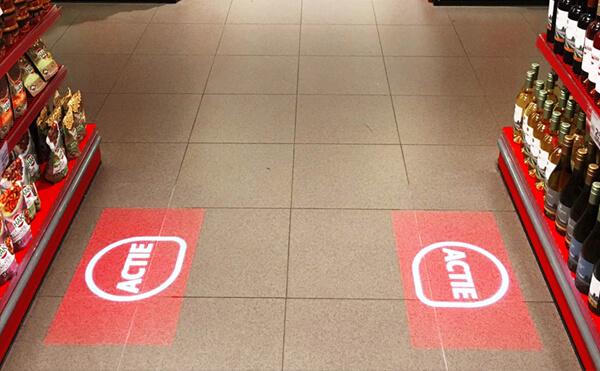 LEDプロジェクションロゴライト・ゴボライトの設置イメージストアのワンポイント