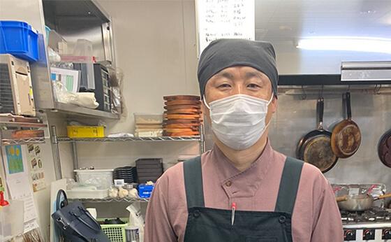 プロジェクターロゴライトの販売実績。鳥取県米子市 焼肉ホルモンだんだん 張様からの喜びの声を紹介