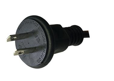 イルミネーションコンセントプラグも防水型の丸型を使用