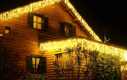 設置場所から選ぶ。屋根・軒下の装飾に最適なLEDイルミネーション電飾